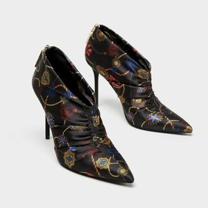 Trendy! Zara floral  high heel ankle boots 7.5